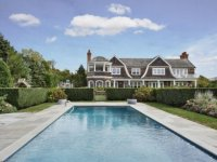 Jennifer-Lopez-buys-Hamptons-House-Water-Mill-9-611x407-600x400